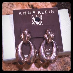 Jewelry - Boutique silver earrings